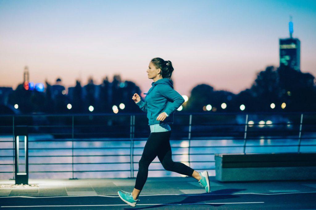 Femme faisant du jogging de nuit &quot;width =&quot; 600 &quot;height =&quot; 400 &quot;data-jpibfi-post-excerpt =&quot; &quot;data-jpibfi-post-url =&quot; https://www.marcypro.com/ Blog / effectuer-exercice-matin-nuit / &quot;données-jpibfi-post-title =&quot; Devriez-vous effectuer l&#39;exercice le matin ou la nuit? &quot;Données-jpibfi-src =&quot; https://www.marcypro.com/blog /wp-content/uploads/2017/08/Woman-jogging-at-night-1024x683.jpg&quot;/&gt;</h3> <h2 style=