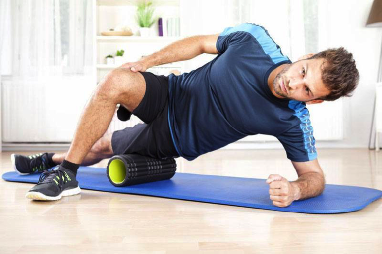 "Rouleau de mousse ""width ="" 771 ""height ="" 514 ""srcset ="" https://home-gym.fr/wp-content/uploads/2019/07/foam-rolling.png 771w, http://homeexercise.co/wp -content / uploads / 2017/05 / foam-rolling-300x200.png 300w, http://homeexercise.co/wp-content/uploads/2017/05/foam-rolling-768x512.png 768w ""tailles ="" (max. -width: 771px) 100vw, 771px"